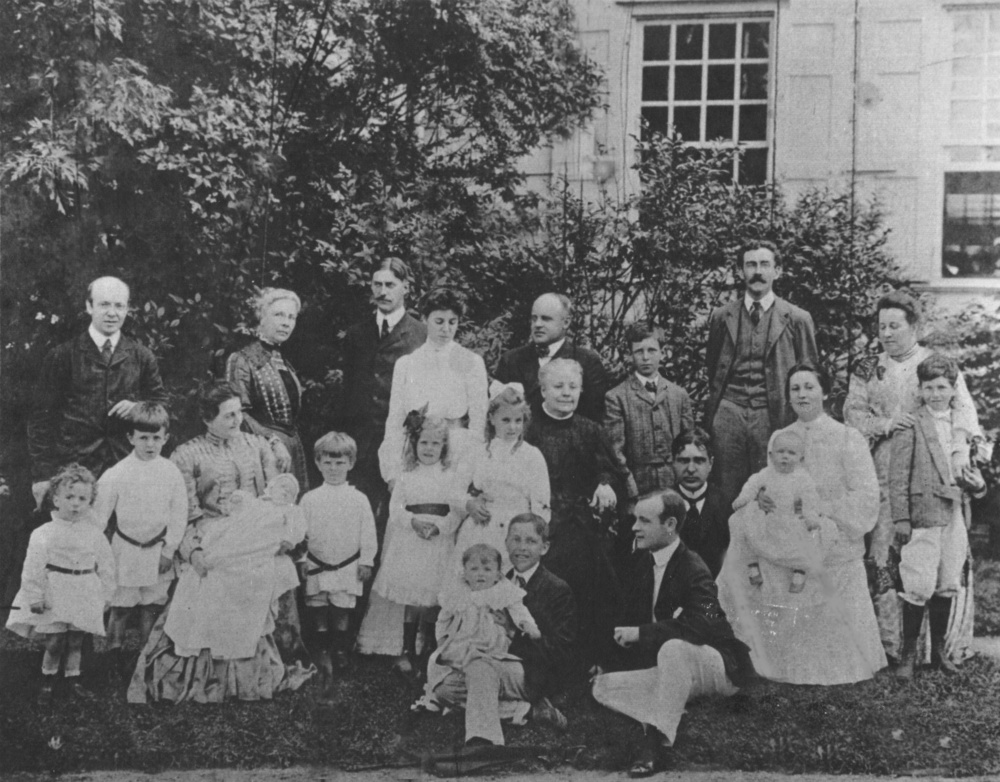 Hewlett family at Rock Hall, 1904