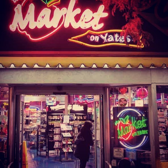 VICTORIA FRIENDS 🎉 So thrilled to announce our second new location in Victoria - The Market on Yates! @themarketstores You can now find our Sasquatch, Black Crow, Banditos and Saturday Market coffees nestled happily on the Market's shelves. We're excited to be working with this stellar store, and to be getting our brews out there ☕️ #mtmaxwellcoffee #victoria #yyj #themarketonyates