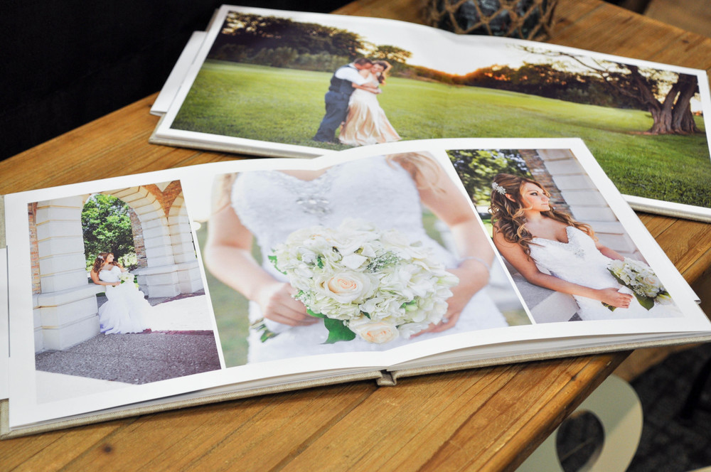 Caitlin Elizabeth Bridal and Alterations || Oh Snap Photography, Wedding Photography