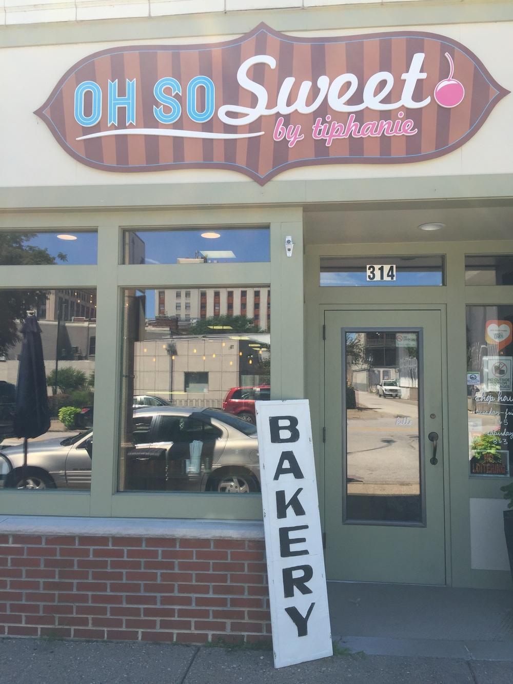 Oh So Sweet by Tiphanie Wedding bakery Davenport Iowa