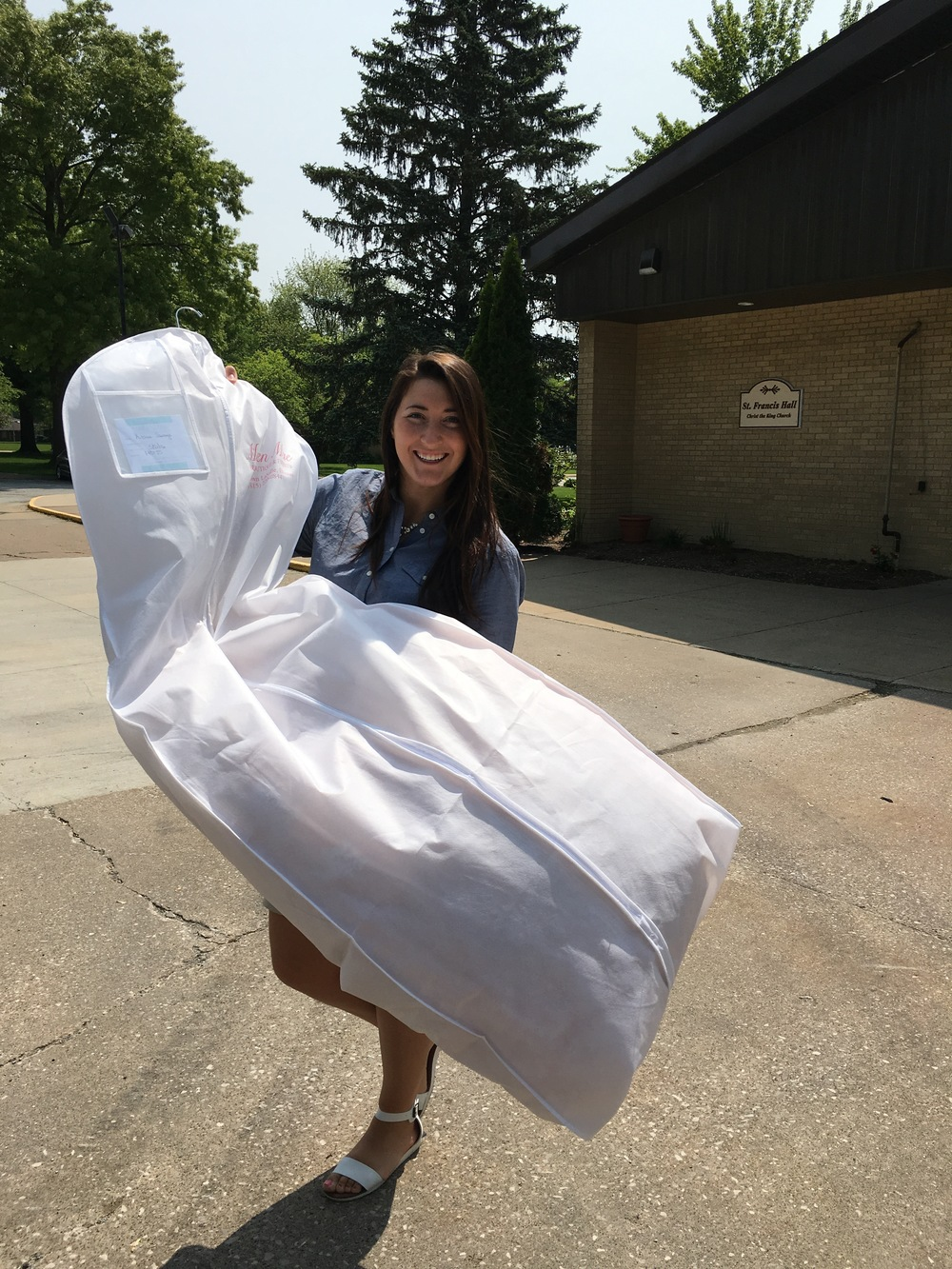Dress delivery to a May #CEBride!