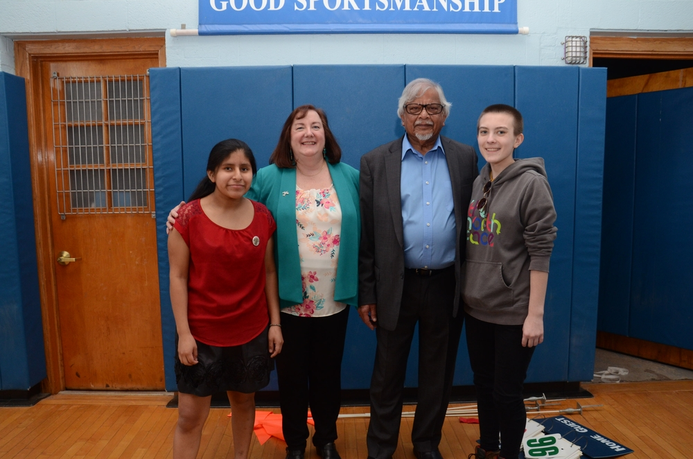 Sister Karen Center Director Vivian Waltz with daughters and Arun Gandhi