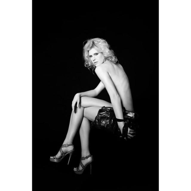 #fashion #model #makeup #glamour #body #beauty #nikon #nature #studio #hensel #hungary #bw #portrait #photoshoot #photography # @kanizsadori