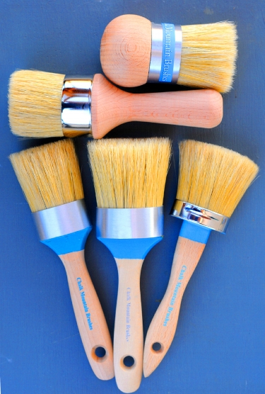 Five brush styles. Large Palm Wax & Standard Wax Brush. Medium Wax & Paint Brush & Large Paint Brush