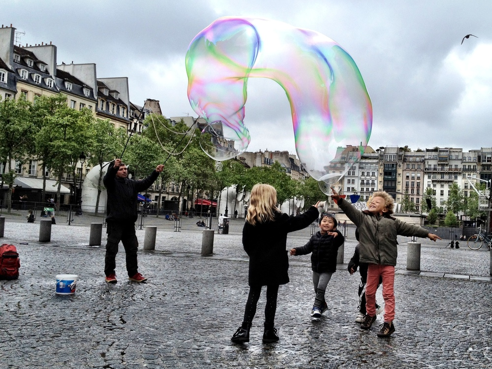 Magic Bubbles & Kids (Centre Pompidou)