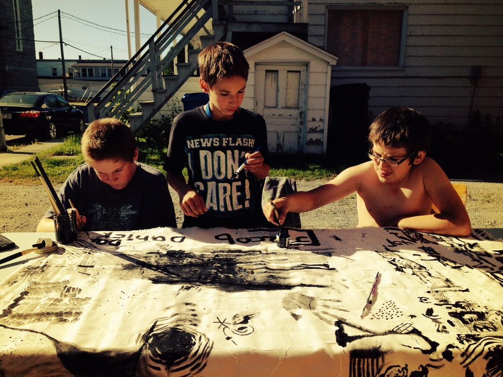 Three Kids painting (Ville de East Angus)