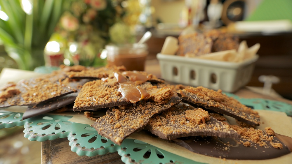 HOMEMADE CANDY BARS WITH CHUNKS OF COOKIES & CARAMELS
