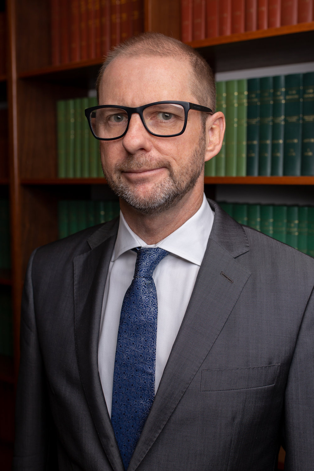 John Dwyer was admitted as a solicitor in 1993. He came to the bar in 2005. He has specialised in the field of employment law his entire career.   He has been a casual lecturer at the QUT legal practice course since 1995 and lectures in the areas of advocacy and employment law.   He has been a member of the Q-Comp barristers panel since 2008.