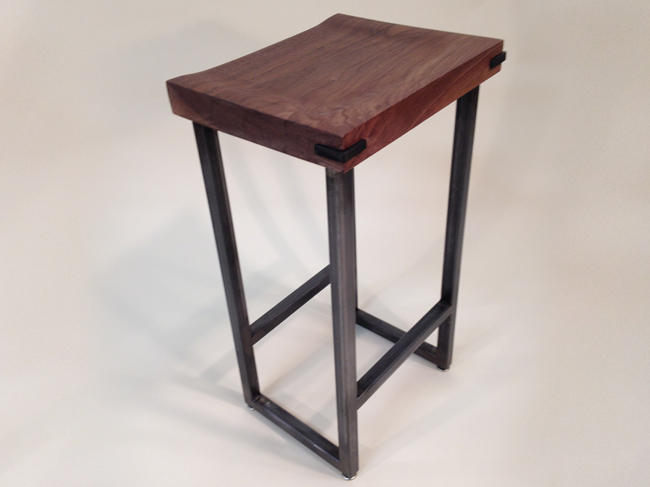 walnut_stool_01.jpg