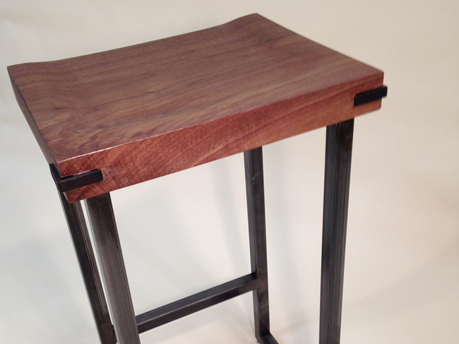 walnut_stool_02.jpg