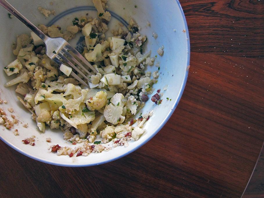 steamed-cauliflower-salad