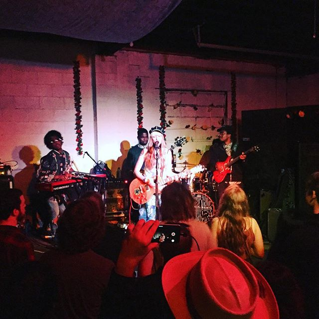 @katmilkblu bringing it out in people at meal ticket last night. 💥 #badpicturegreatband