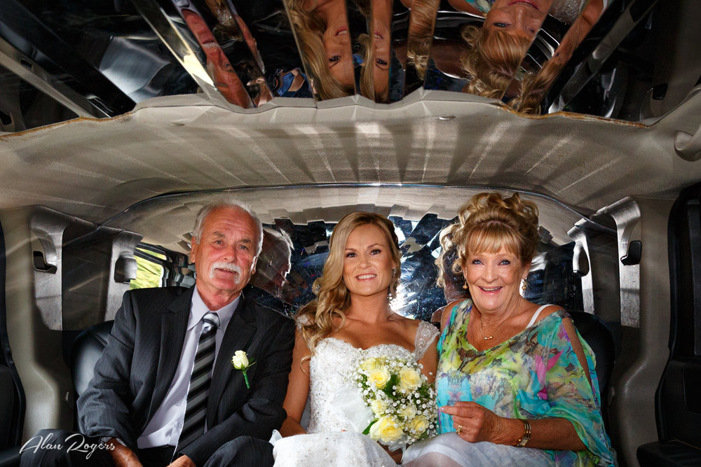 mum-dad-bride-limo.jpg