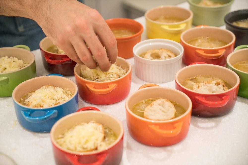 需要耐心和愛烹煮的法式洋蔥湯