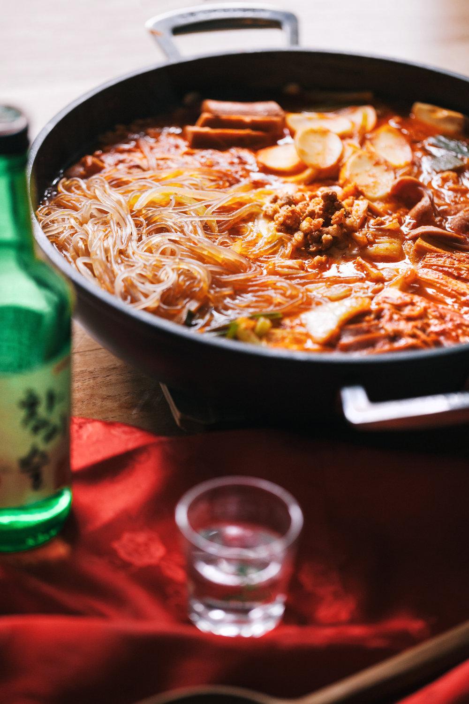 無拘無束韓國會食 - 子英大韓經典料理 SET7 一起吃部隊鍋吧