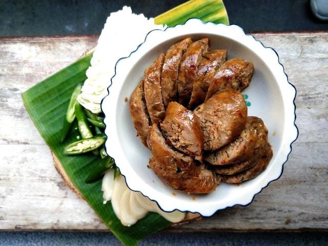 %E6%B3%B0%E5%8C%97%E9%A6%99%E6%96%99%E9%A6%99%E8%85%B8Northern+Thai+spicy+Sausages-2.jpg