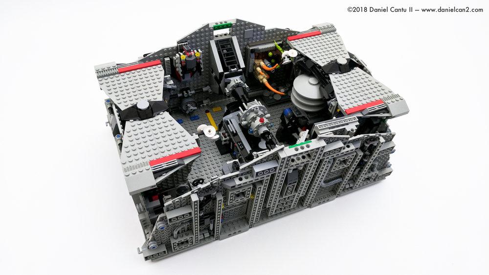 LEGO-Mobile-Fortress-68.jpg