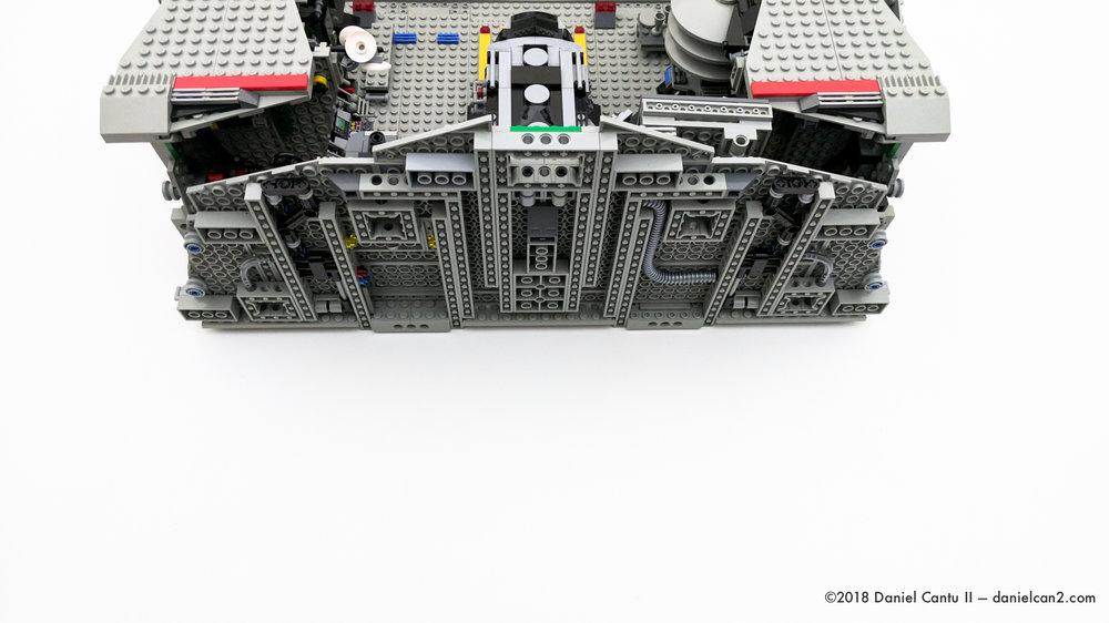 LEGO-Mobile-Fortress-62.jpg