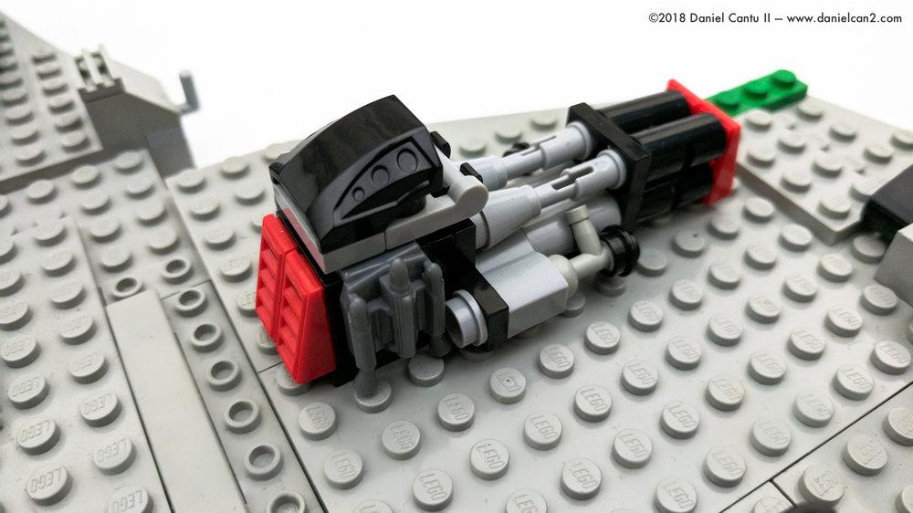 LEGO-Mobile-Fortress-42.jpg