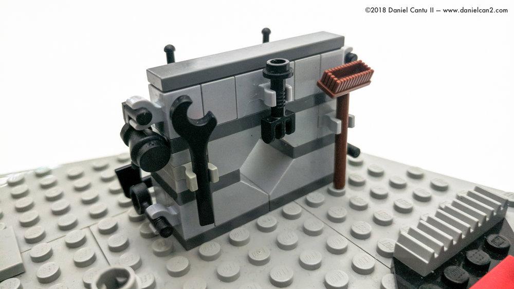 LEGO-Mobile-Fortress-39.jpg