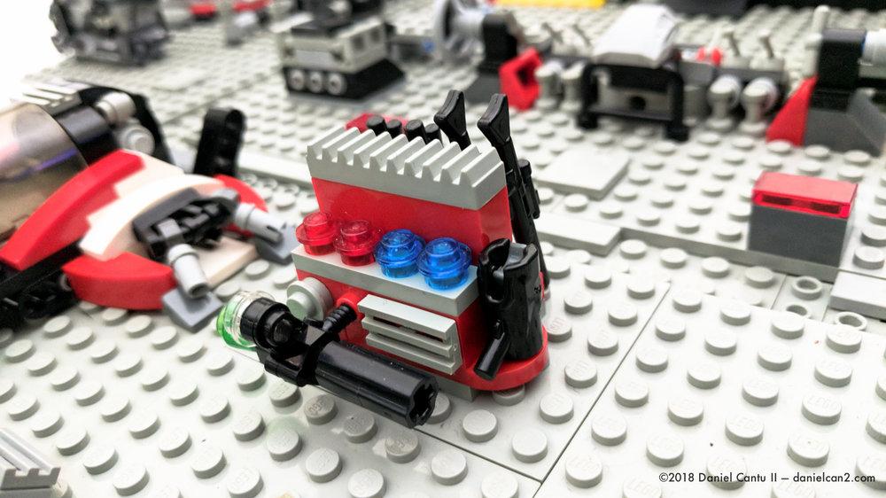 LEGO-Mobile-Fortress-11.jpg