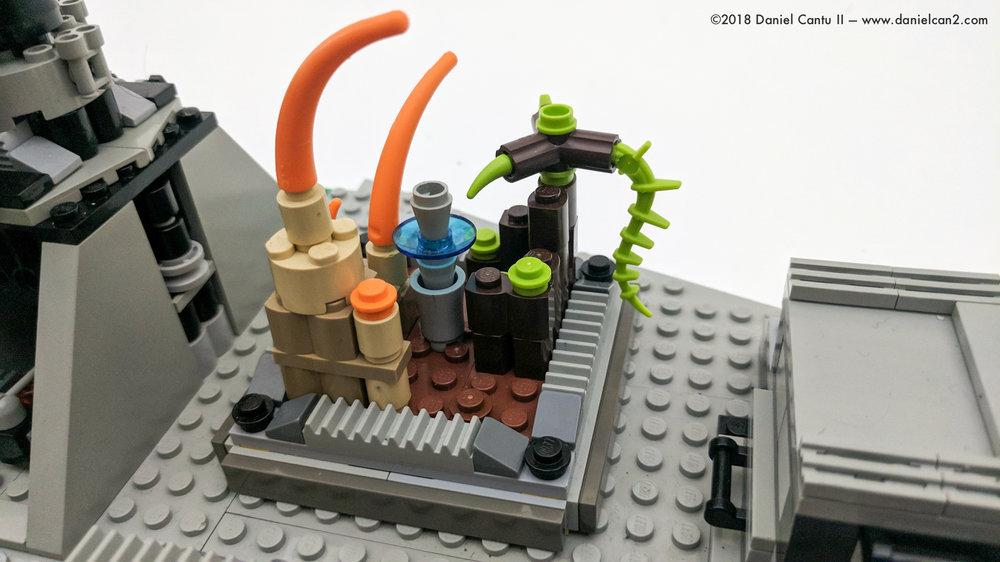 LEGO-Mobile-Fortress-27.jpg