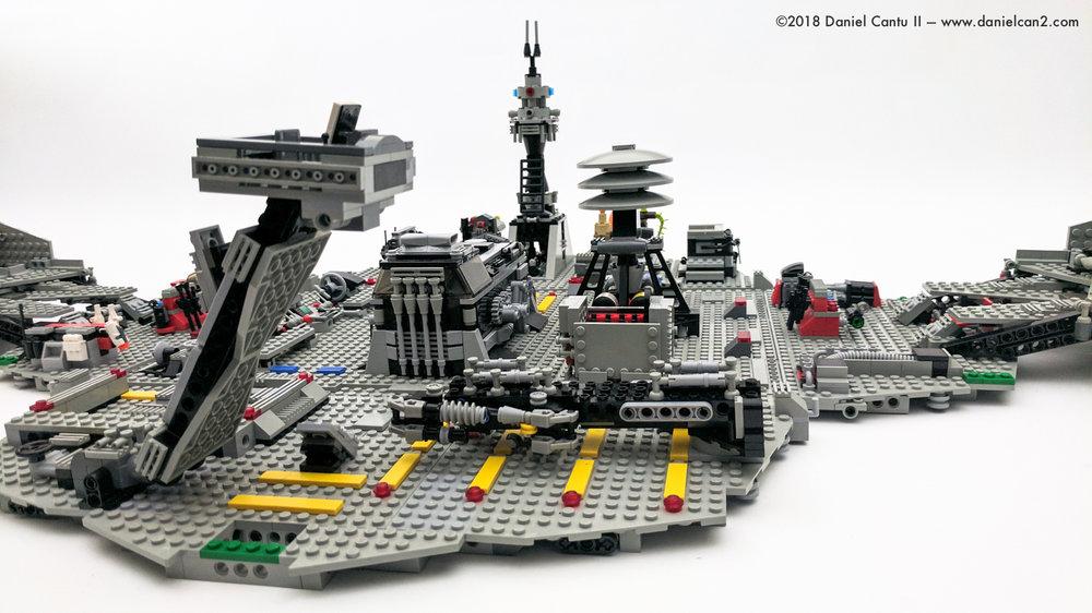 LEGO-Mobile-Fortress-44.jpg
