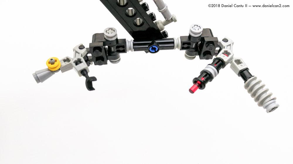 LEGO-Mobile-Fortress-48.jpg