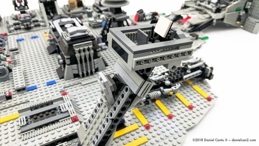 LEGO-Mobile-Fortress-45.jpg