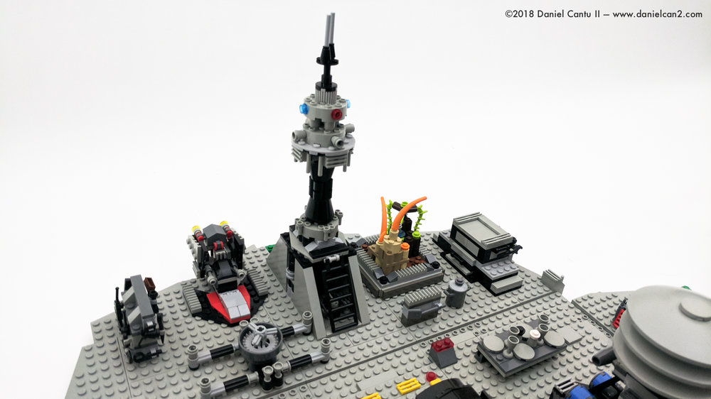 LEGO-Mobile-Fortress-23.jpg