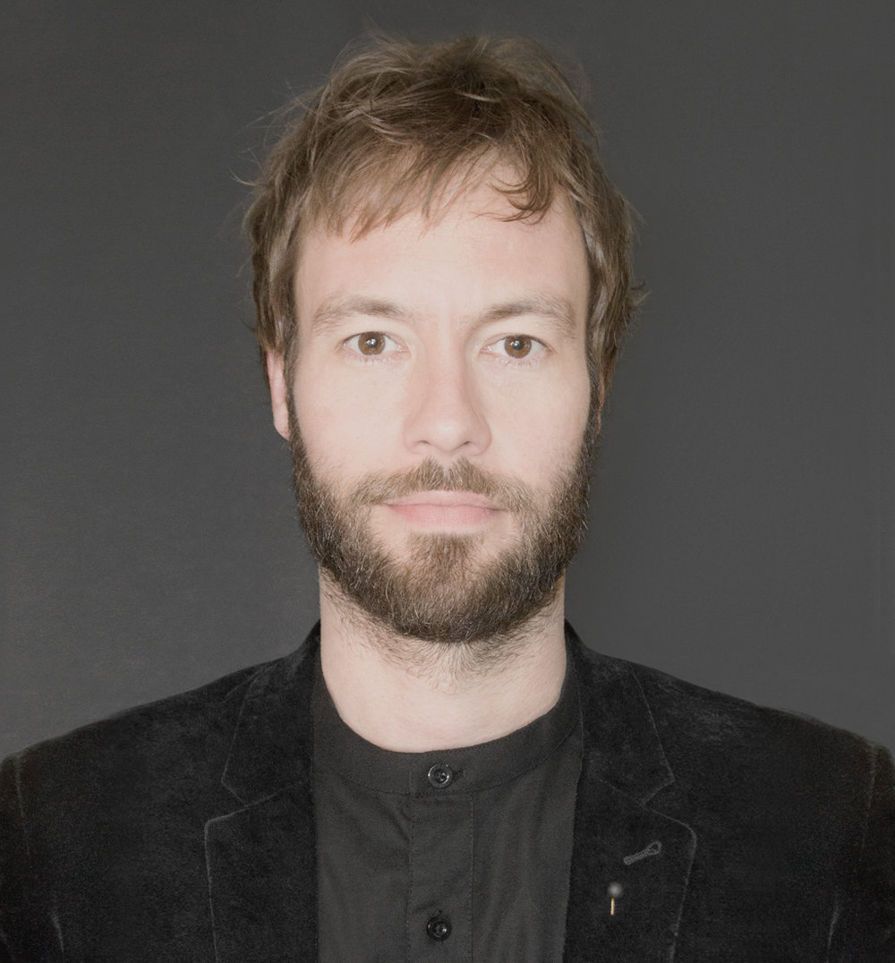 Jeremy Hall - Designer graphique | Figure | Studio de design graphique Québec