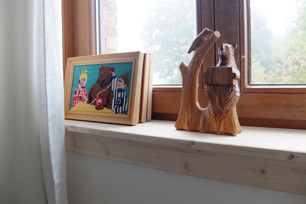 Some more vintage bears on a handmade wooden windowsill.