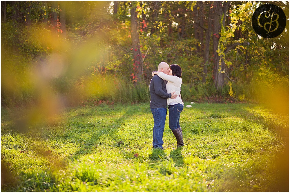 Fall-Orchard-Engagement-Photography_0057.jpg