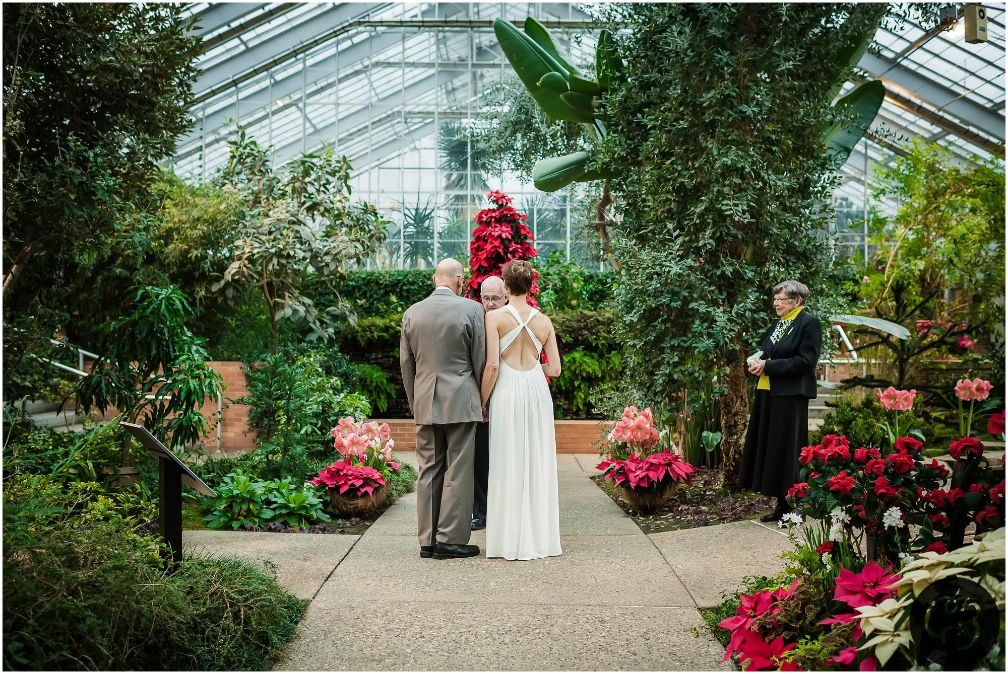 matthaei botanical gardens elopement :: colleen & larry — chelsea