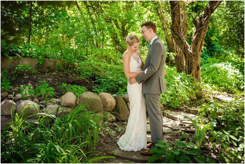Michigan_backyard_wedding_0608.jpg