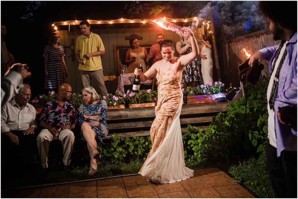 Michigan_backyard_wedding_0642.jpg