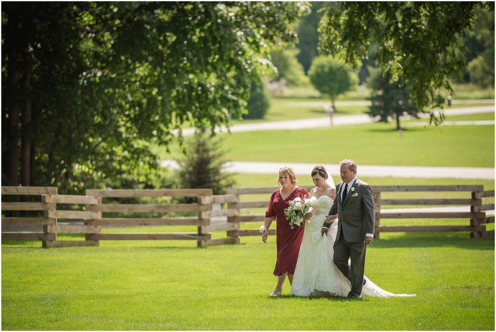 cornman-farms-wedding-michigan-barn-wedding_0964.jpg