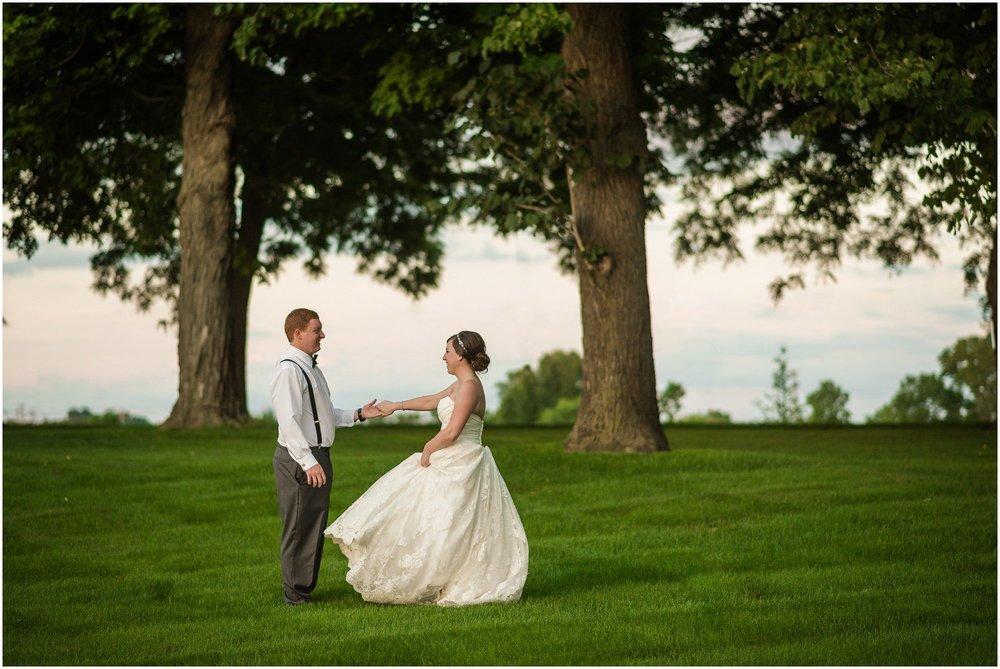 cornman-farms-wedding-michigan-barn-wedding_1001.jpg
