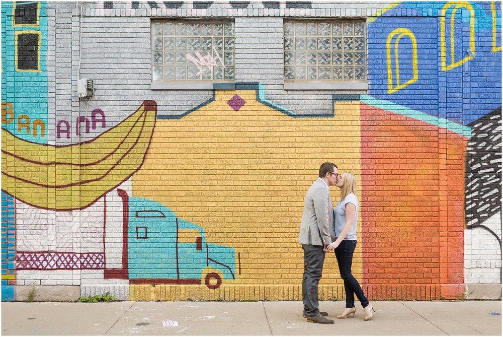 downtown-detroit-engagement-session_0801.jpg