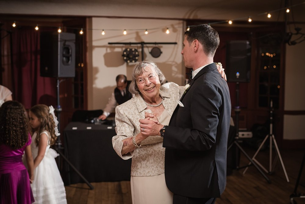 Dearborn-inn-wedding_0292.jpg