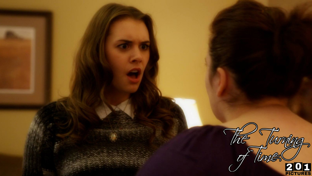 Emily confronts Joyce about a missing family heirloom.