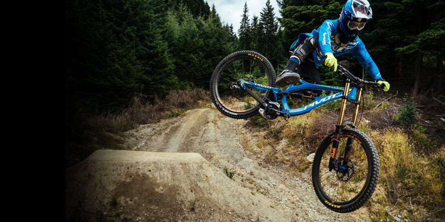 Pivot Factory DH Team rider