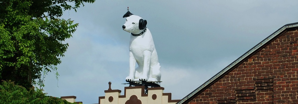 We are one block South and West of Albany's Nipper the RCA Dog