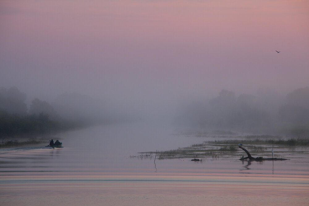 Fishermen-at-foggy-dawn
