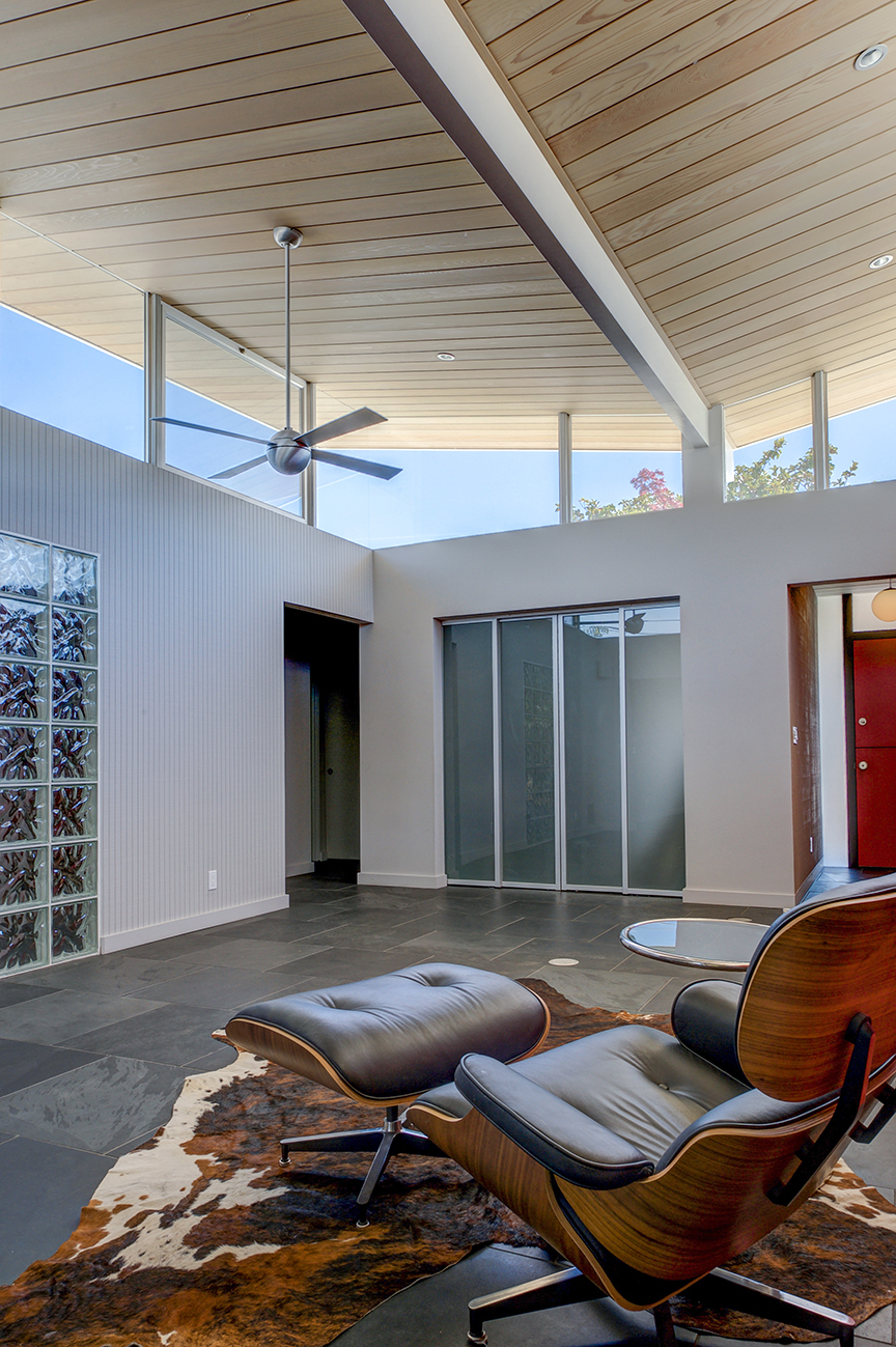 - Butterfly roof atrium Sunnyvale Eichler: A complete remodel. Featured on the Modern Architecture & Design Society (MA+DS) Silicon Valley Home Tour, 2018.