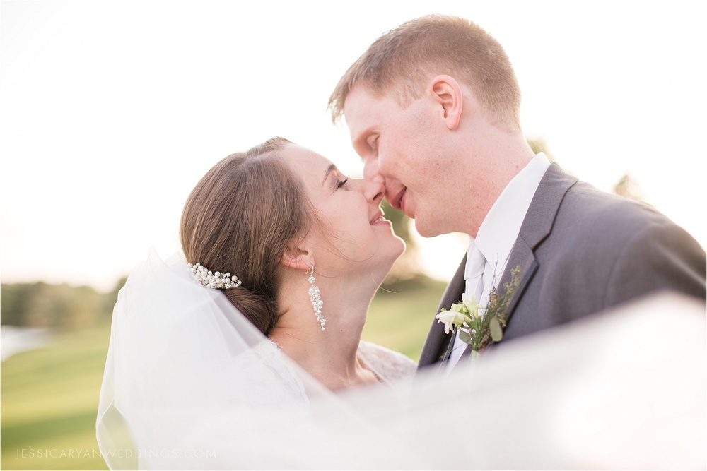 Louisville-Wedding-Oxmoor-Country-Club_0115.jpg