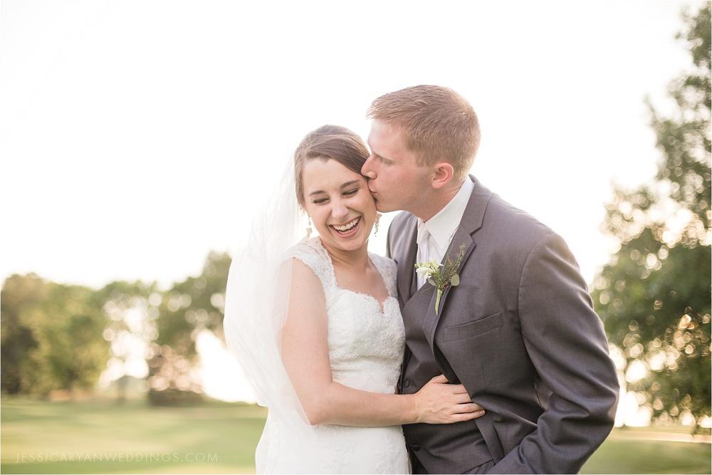 Louisville-Wedding-Oxmoor-Country-Club_0116.jpg