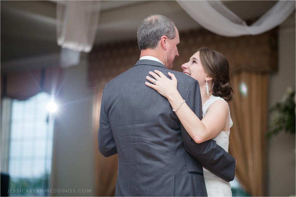 Louisville-Wedding-Oxmoor-Country-Club_0123.jpg