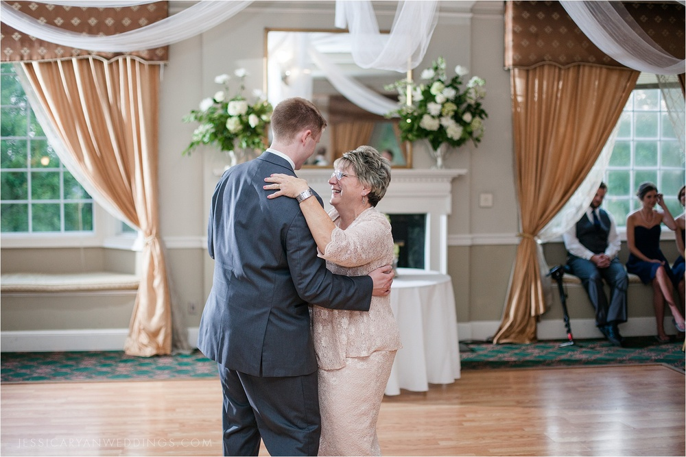 Louisville-Wedding-Oxmoor-Country-Club_0125.jpg