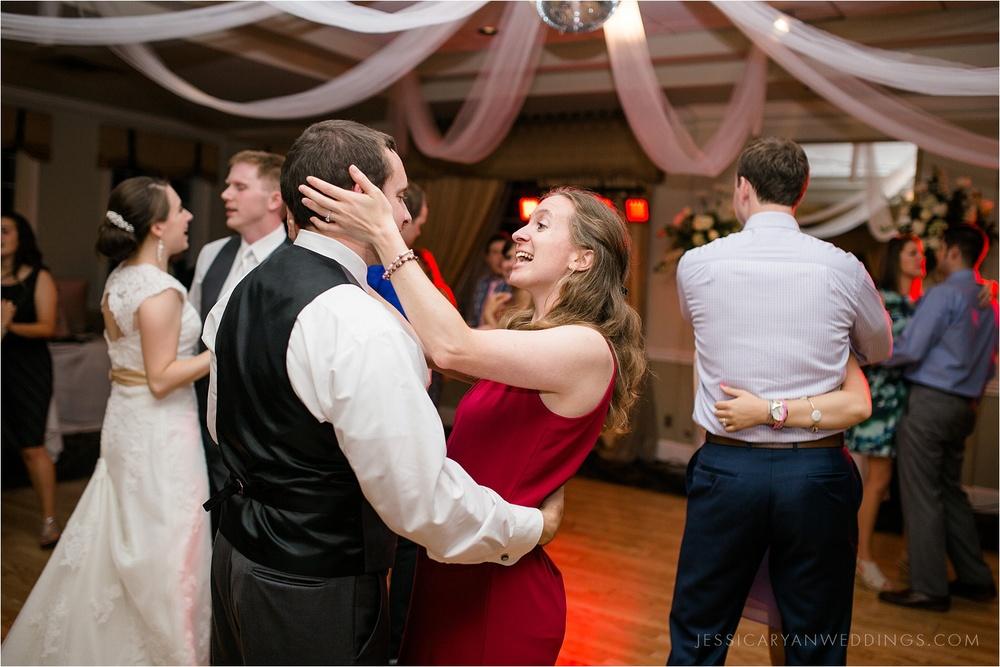 Louisville-Wedding-Oxmoor-Country-Club_0137.jpg